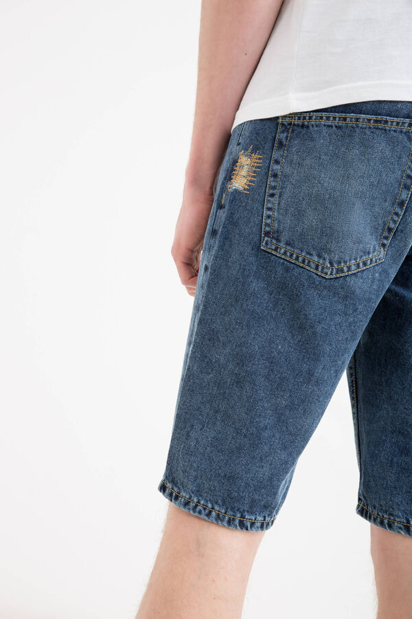 Straight-fit worn denim Bermuda shorts | OVS
