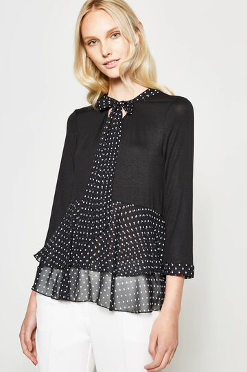 Polka dot T-shirt with tie