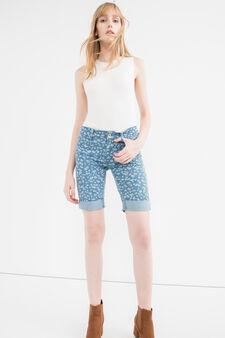 Stretch denim Bermuda shorts with pattern, Light Wash, hi-res