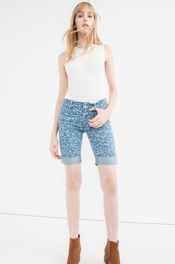 Stretch denim Bermuda shorts with pattern, Light Wash, hi-res