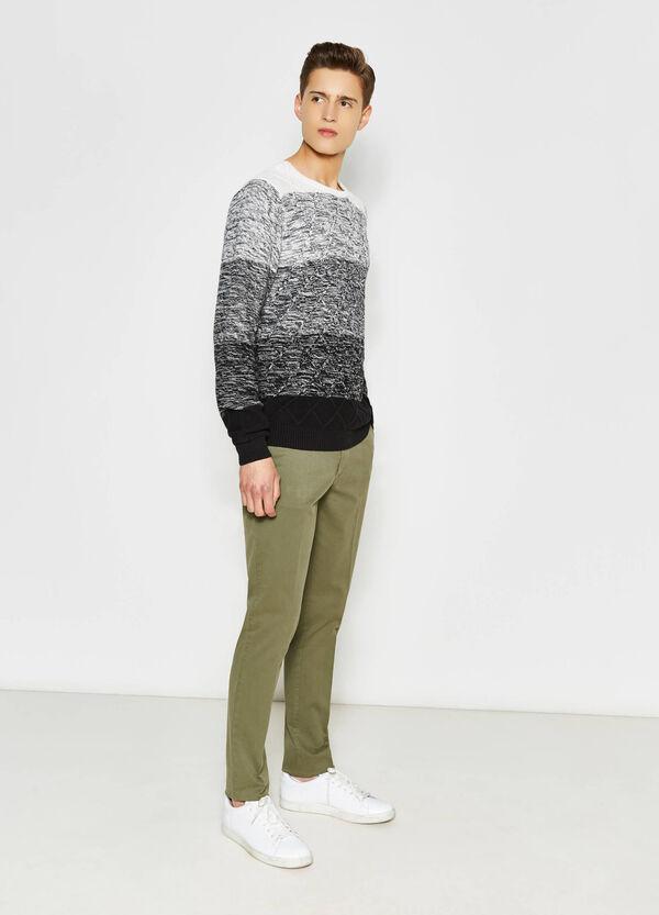 Pantaloni stretch con piega | OVS