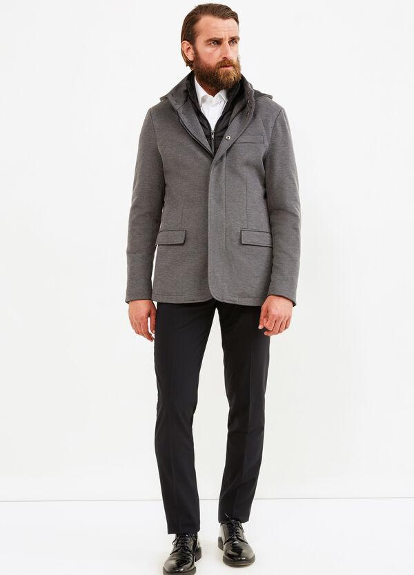 Abrigo elástico con capucha | OVS