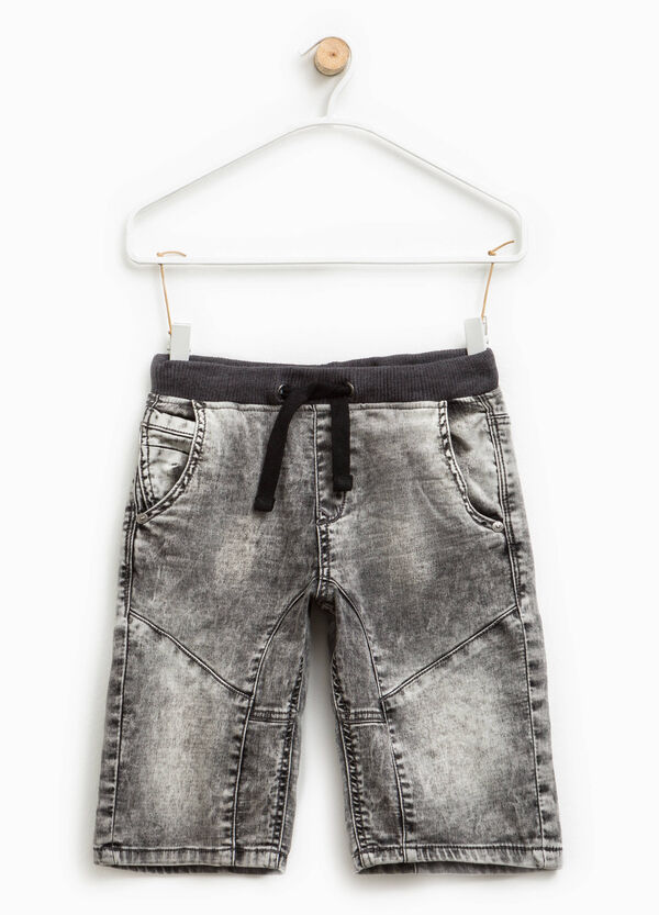 Misdyed-effect stretch Bermuda shorts | OVS