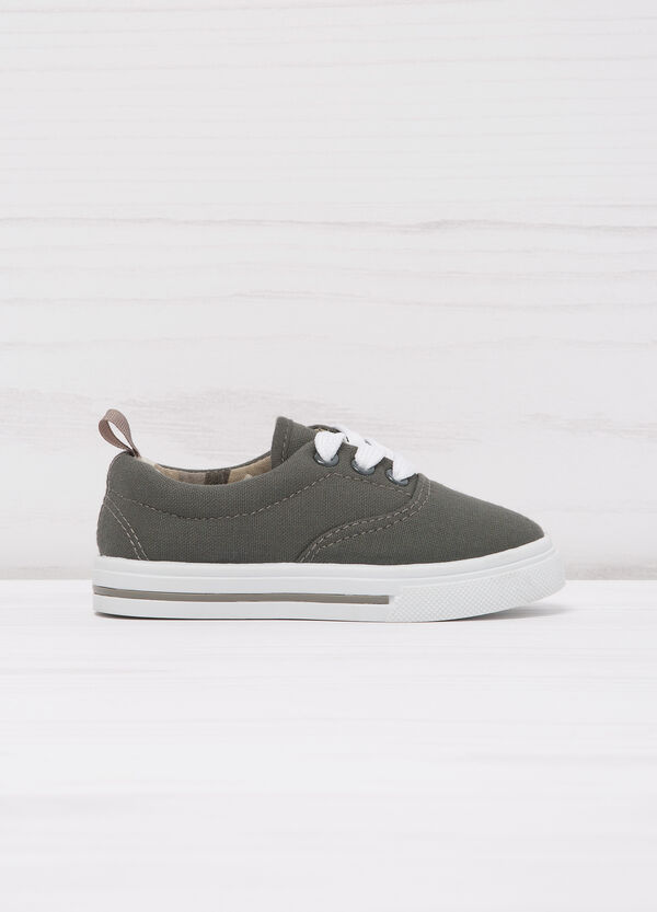 Sneakers with contrasting sole. | OVS