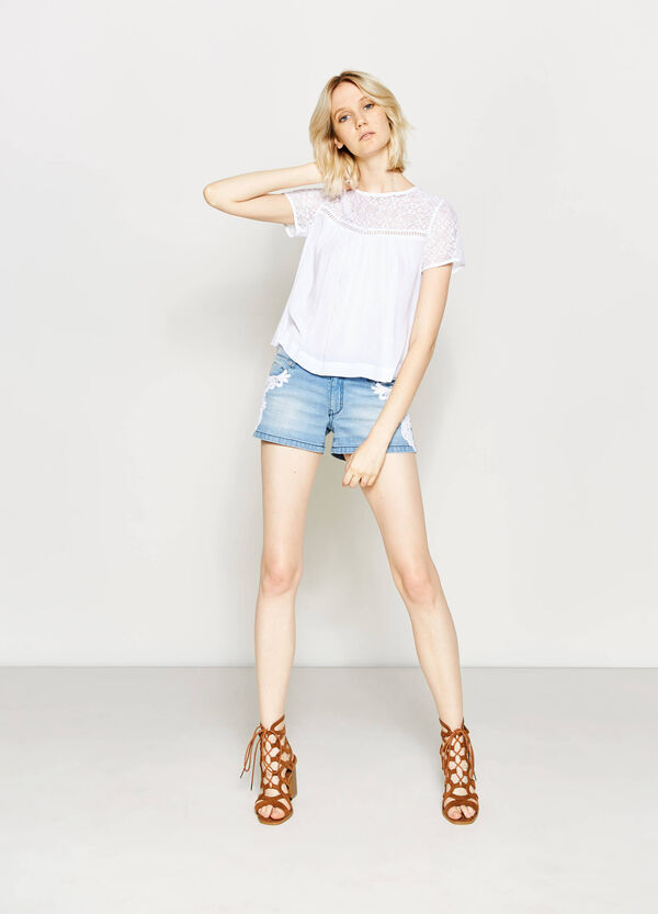 Regular-fit denim shorts with lace | OVS