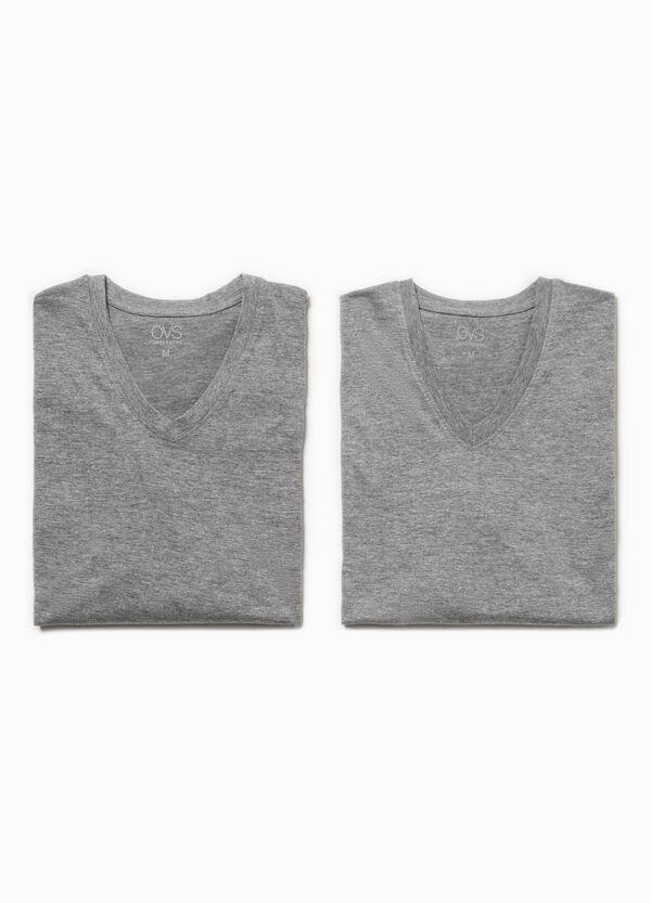 Pack de dos camisetas interiores con escote de pico | OVS