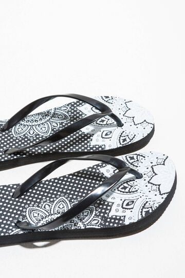 Rubber flip flops with pattern