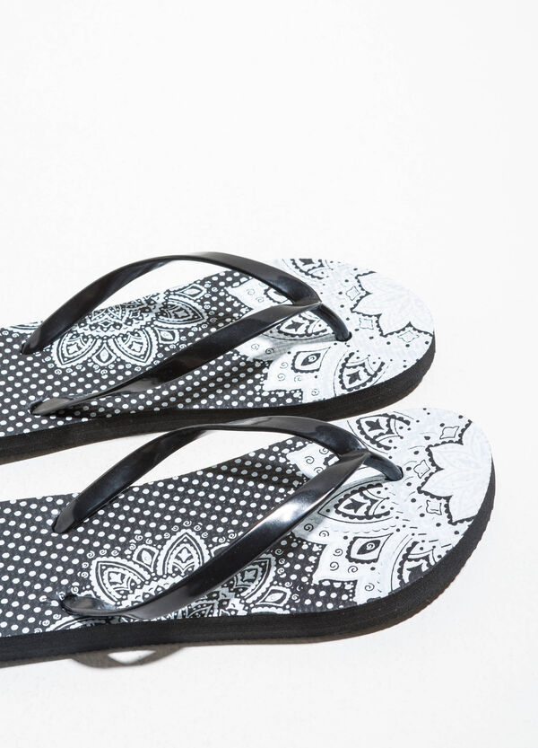 Rubber flip flops with pattern | OVS