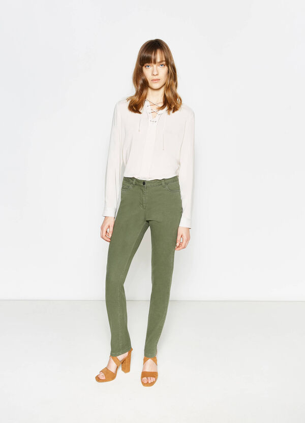 Pantalón en algodón elástico de color liso | OVS