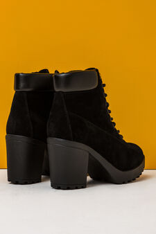 Ankle boots with thick tread sole, Black, hi-res
