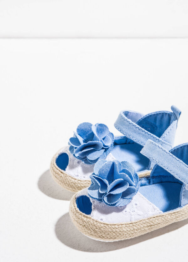 Sandals with embroidered upper and flower | OVS