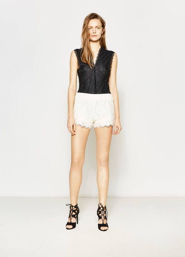 Lace shorts | OVS
