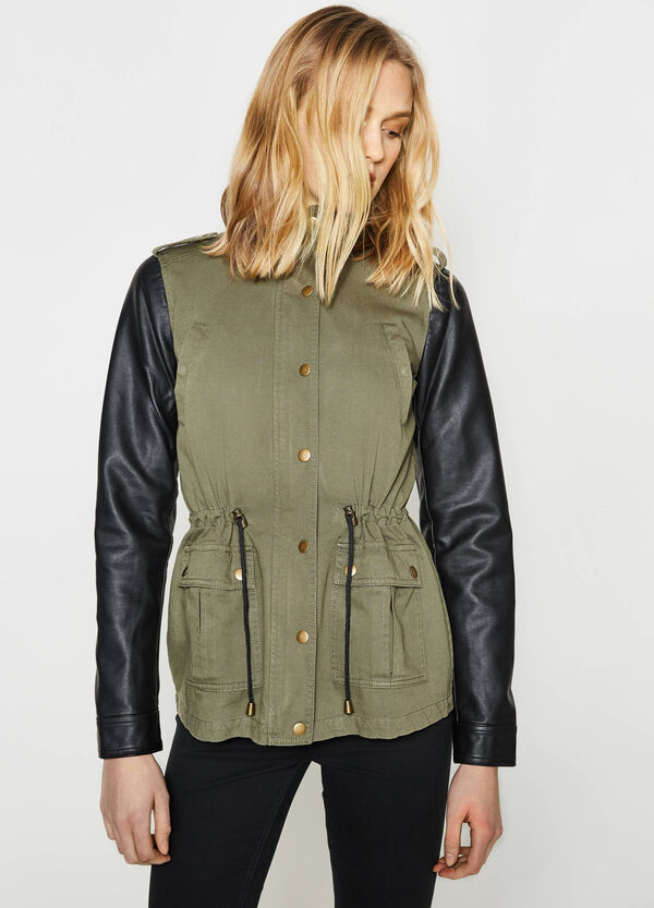 Short parka with contrasting sleeves | OVS