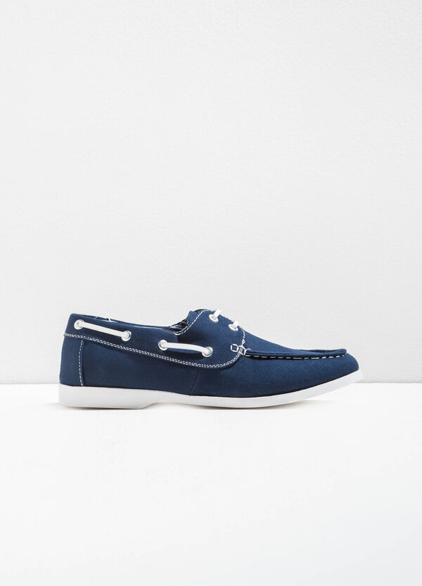 Moccasins with contrasting laces | OVS