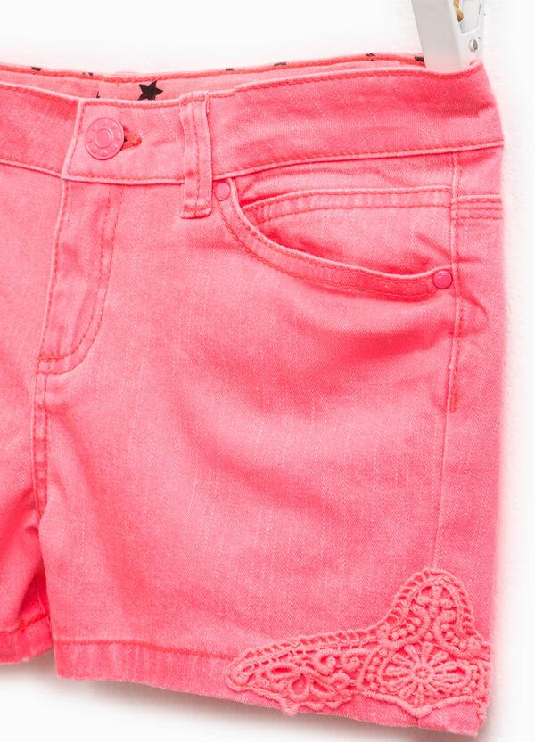 Shorts en algodón elástico con encaje | OVS