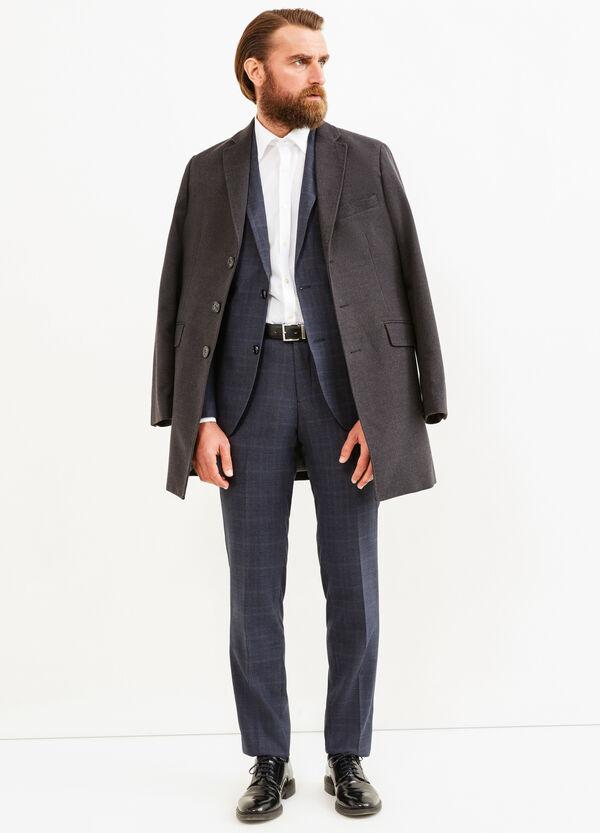 Elegant, custom-fit check suit   OVS