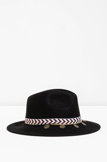 Wide-brimmed hat with pendants