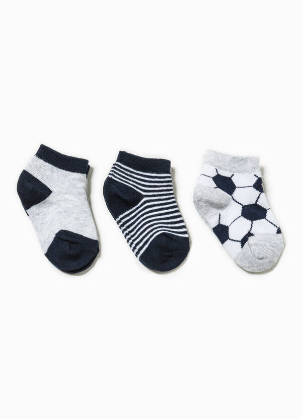 Three-pair pack patterned and solid colour socks | OVS