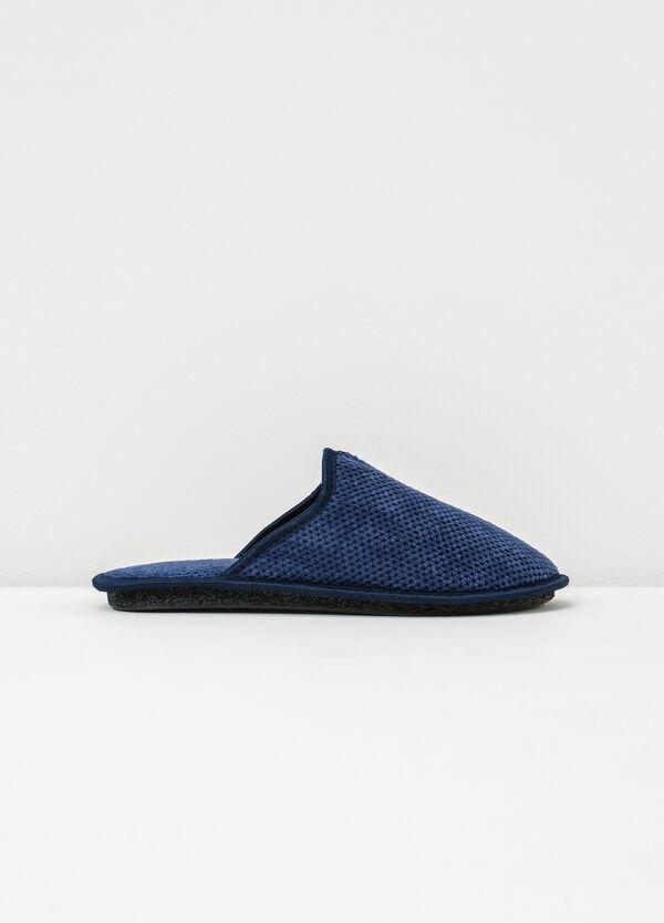 Pantofole con puntinatura a rilievo | OVS