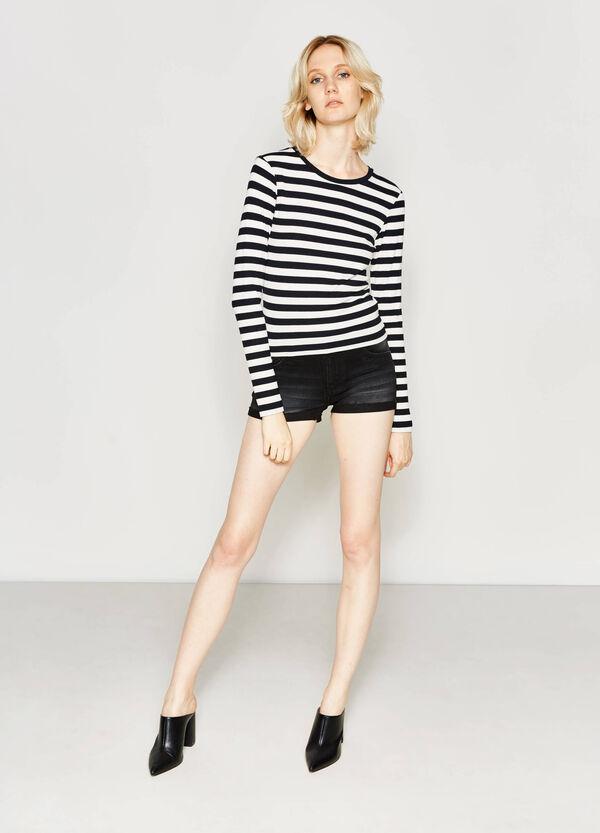 Worn-effect stretch denim shorts | OVS