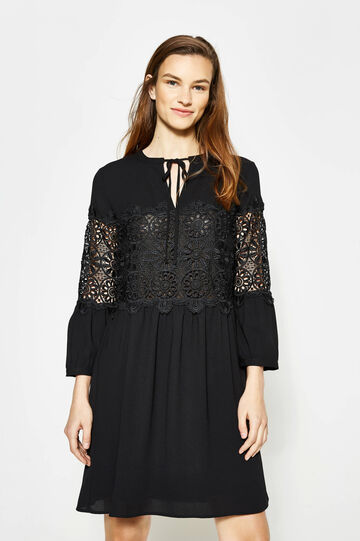 Pleated dress with lace
