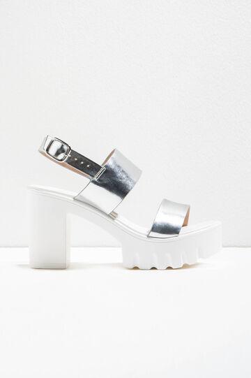 Sandals with heels and platform