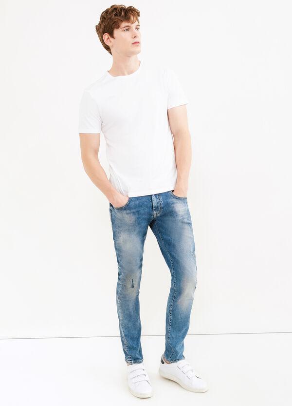 Jeans stretch con risvolto | OVS