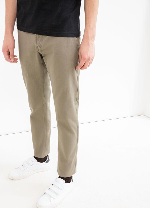 Pantalón en algodón 100% en color liso | OVS