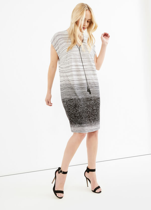 Curvy dress with all-over stripes print | OVS