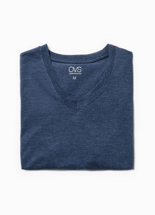 Camiseta interior en algodón 100% con cuello de pico | OVS