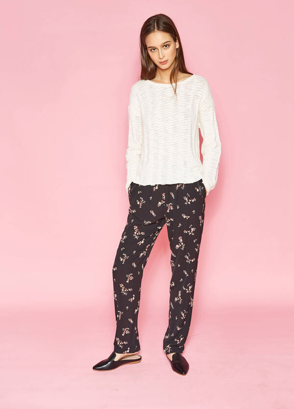 Crêpe trousers with flower print | OVS