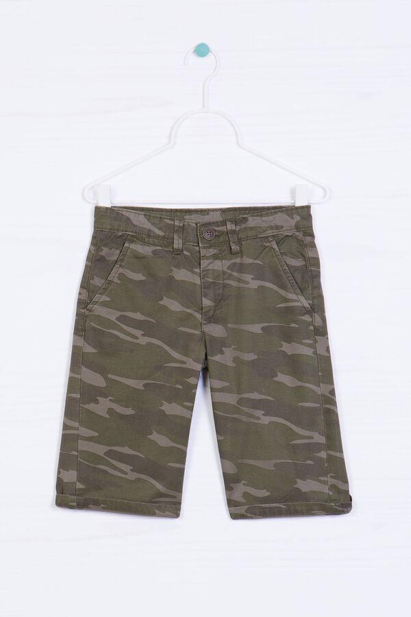Camouflage Bermuda chinos | OVS