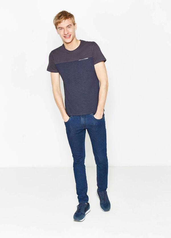Camiseta bicolor con un bolsillo   OVS
