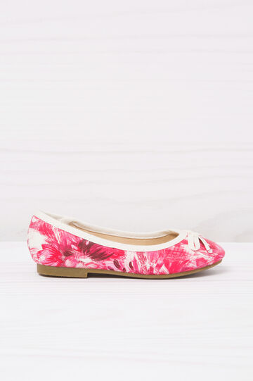 Round toe ballerina flats with print.