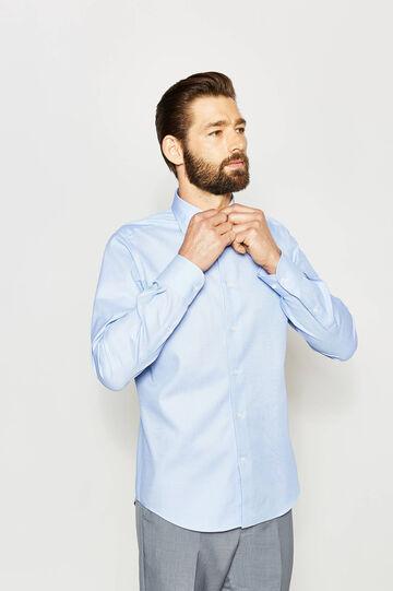 Camisa formal slim fit en color liso, Azul claro, hi-res