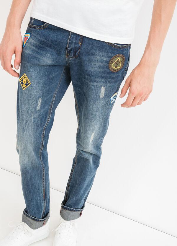 Jeans straight used con abrasioni | OVS