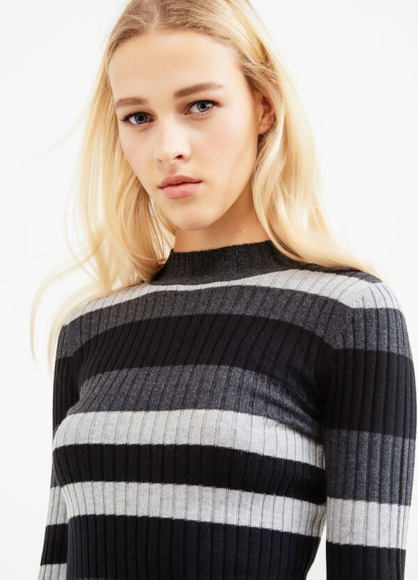 Wool and cotton ribbed pullover.   OVS