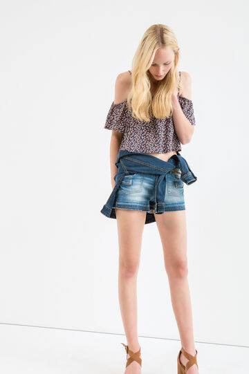 Shorts di jeans effetto used, Lavaggio medio, hi-res