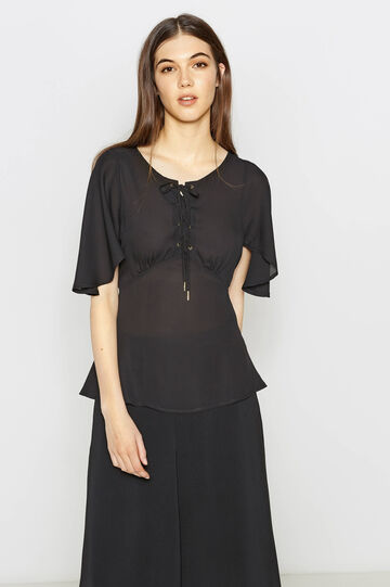 Blouse with opening on the front