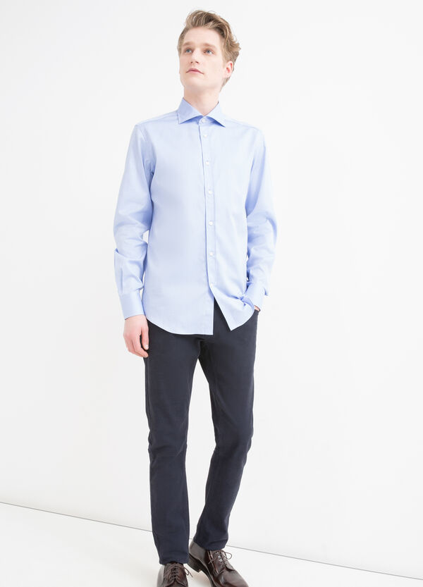 100% cotton, slim-fit shirt. | OVS