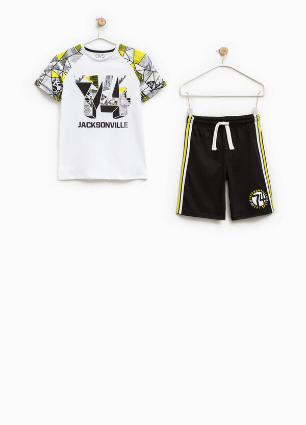 Completo t-shirt e bermuda stampati   OVS