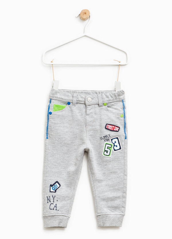 Trousers in cotton with print and patch | OVS