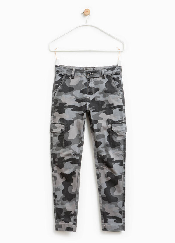 Camouflage cargo-cut chinos | OVS