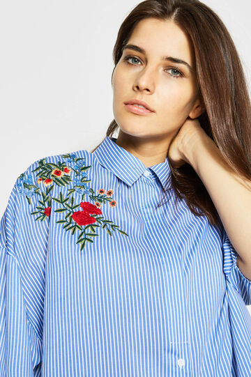 Curvy striped shirt with embroidery