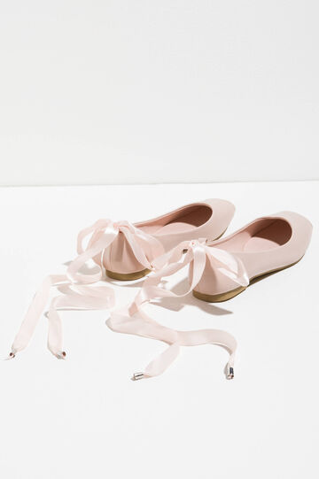 Ballerina flats with laces