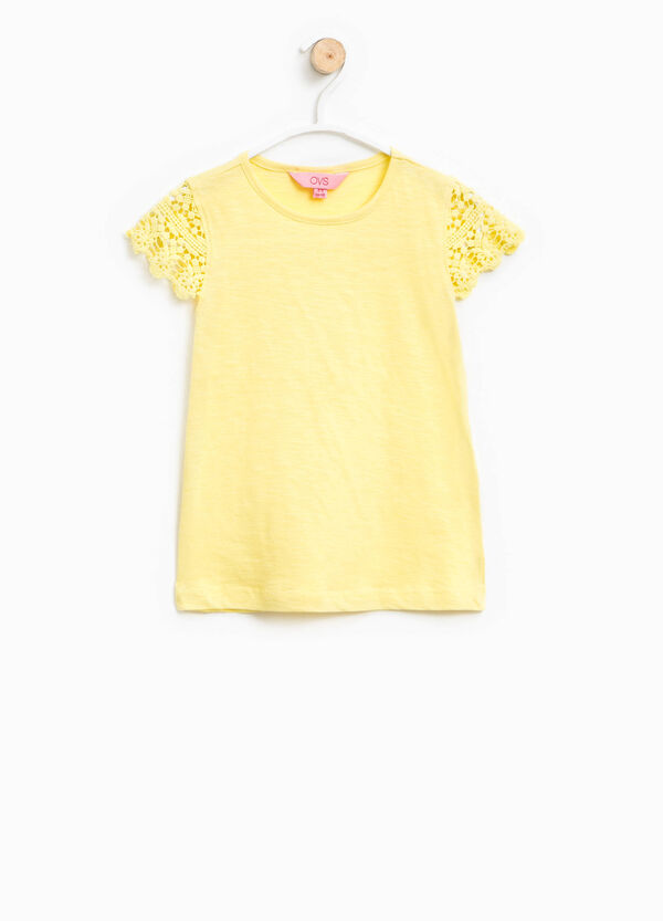 T-shirt with lace sleeves | OVS