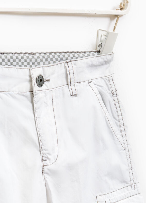 Cotton Bermuda shorts with contrasting stitching | OVS