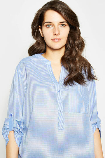 Curvy V-neck blouse with pattern, White/Light Blue, hi-res