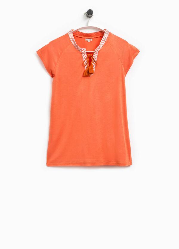 T-shirt scollo V e nappine Smart Basic | OVS