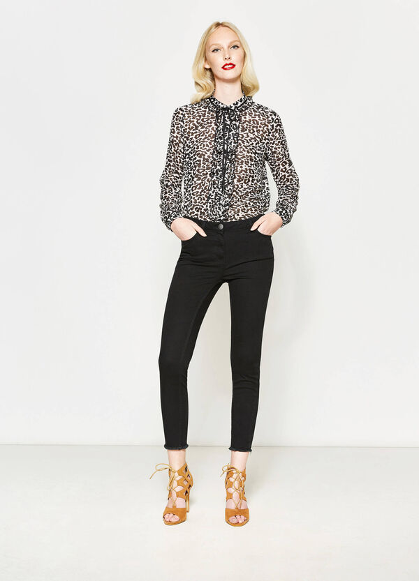 Crop trousers with fringed hem | OVS